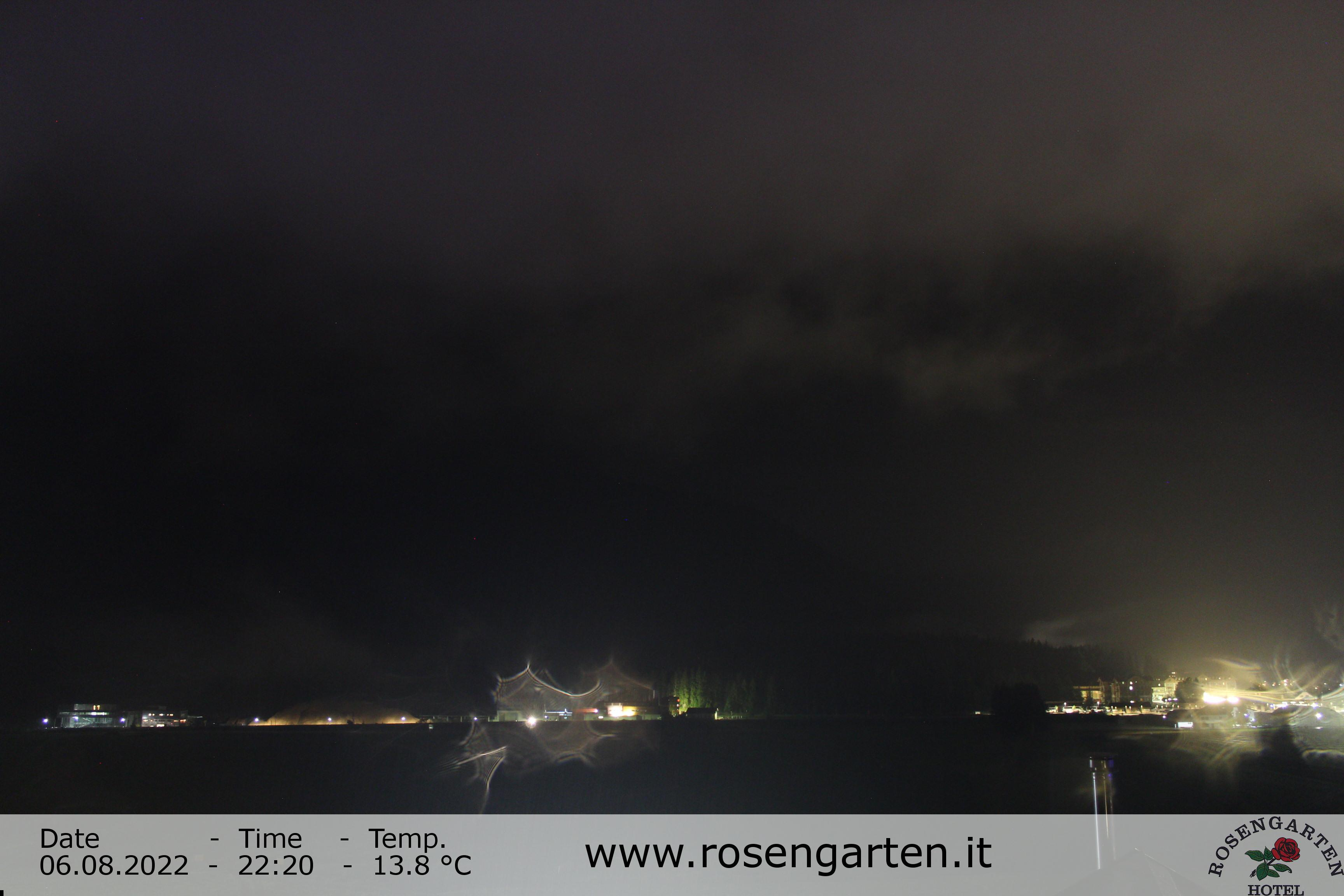 http://webcam.rosengarten.it/webcam.asp